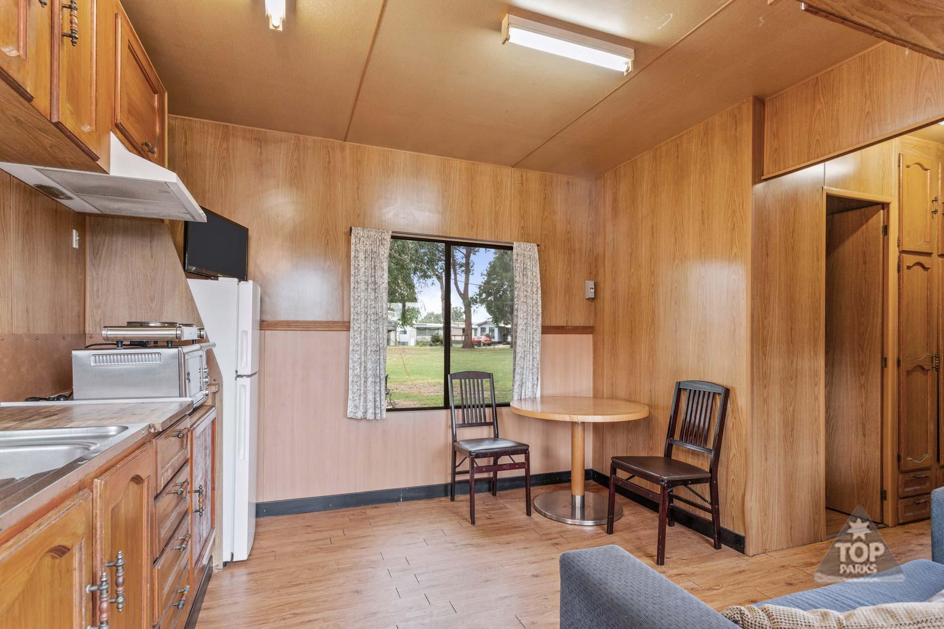 shoalhaven-caravan-village-basic-cabin-kitchen-dining