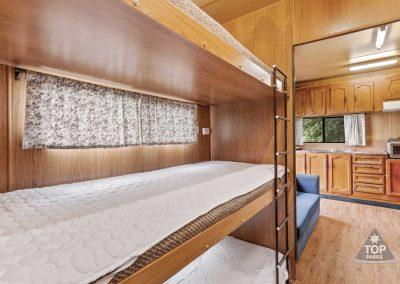 shoalhaven-caravan-village-basic-cabin-triple-bunk